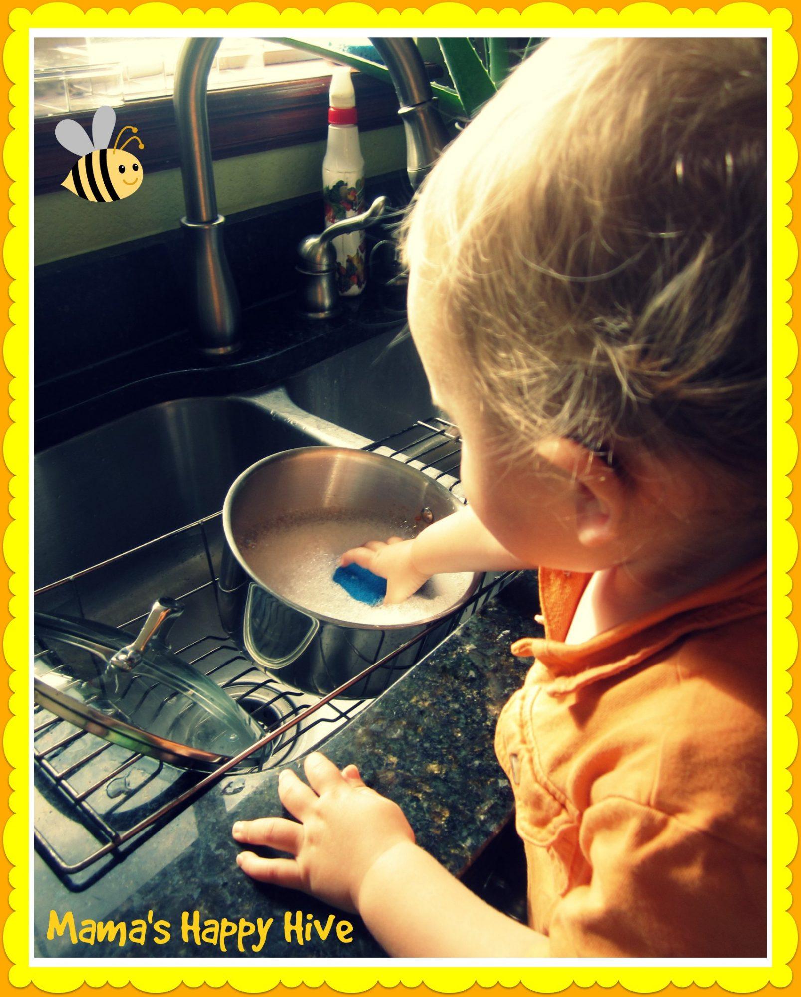 Toddler Washing Dishes - www.mamashappyhive.com